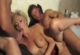 Blond-haired bitch enjoying raw sex
