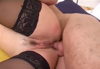 Short-haired BBW-lite mom gets fucked