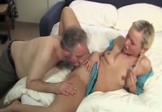 Blonde blows her small-dicked father