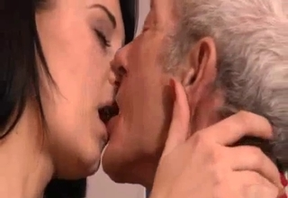 She locks lips with her filthy daddy