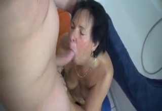Mommy getting gaped on the floor