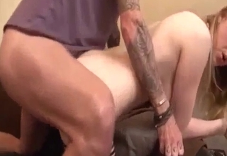 Kinky-ass dude fucking his slutty daughter