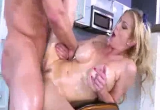 Oiled-up blonde mommy gets wrecked